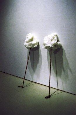 Selällään/On one's back, sauvat, vanu/skiing sticks, wadding, 2004