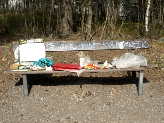 Moraalisaarna/Moral sermon, 2014 garbage from the bushes collected on the bench tidily